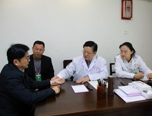 国医大师王琦再次来三亚市中医院坐诊